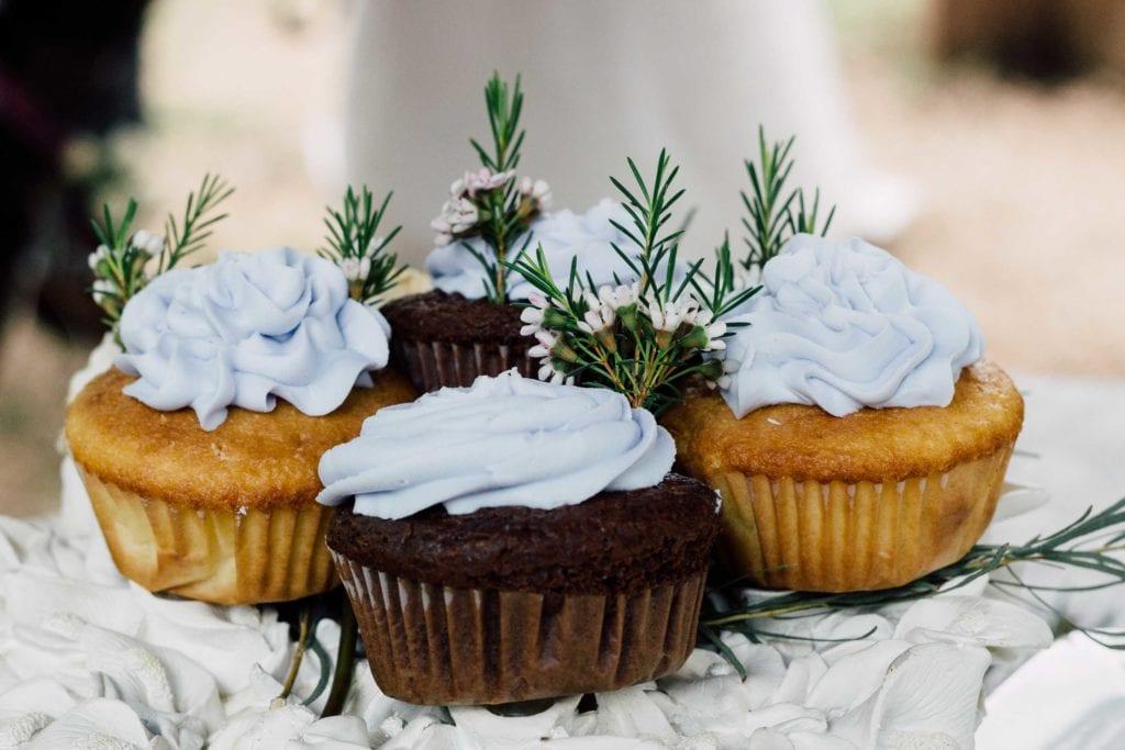 vow renewal ceremony cupcakes